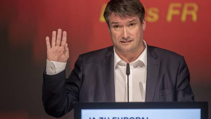Will dem Steuerwettbewerb der Kantone bei den Unternehmen Einhalt gebieten: SP-Präsident Christian Levrat. (Archivbild)