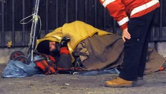 Bei unter null Grad rückt jeweils eine Kältepatrouille von Sicherheit Intervention Prävention Zürich (Sip) aus und bietet Obdachlosen Hilfe an. (Symbolbild)