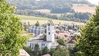Der Mobilfunkbetreiber Salt will im Lengnauer Kirchenturm eine 5G-Antenne installieren. Ob sie rechtens ist, prüft nun die Abteilung für Umwelt des Kantons. Bild: Sandra Ardizzone