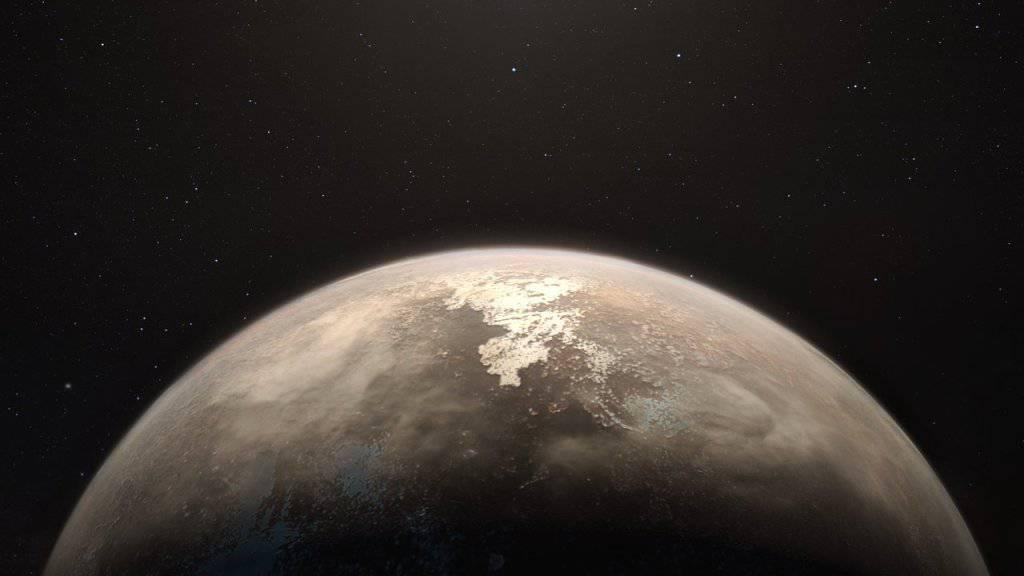 Der Exoplanet Ross 128 b hätte gute Voraussetzungen für Leben: Sein Zentralstern bombardiert ihn relativ wenig mit UV- und Röntgenstrahlung. (Illustration)