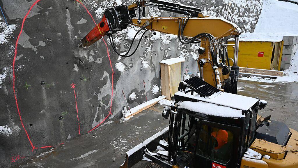 Anstich für Erkundungsstollen beim Tunnel Kaiserstuhl erfolgt
