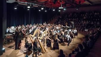 Das Zentralschweizer Jungendsinfonieorchester bereitet sich vor für die Rückkehr auf die Bühne - wie hier zuletzt in der Aula Grossmatt in Hergiswil am 29. August 2020.