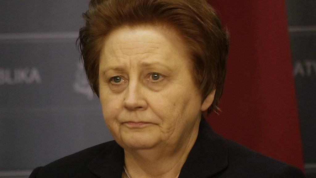 Straujuma war die erste Frau an der Spitze einer lettischen Regierung. Nun tritt sie zurück.