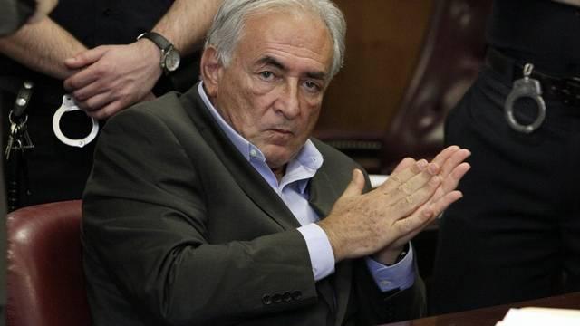 Strauss-Kahn kommt zwar frei, er darf aber New York nicht verlassen