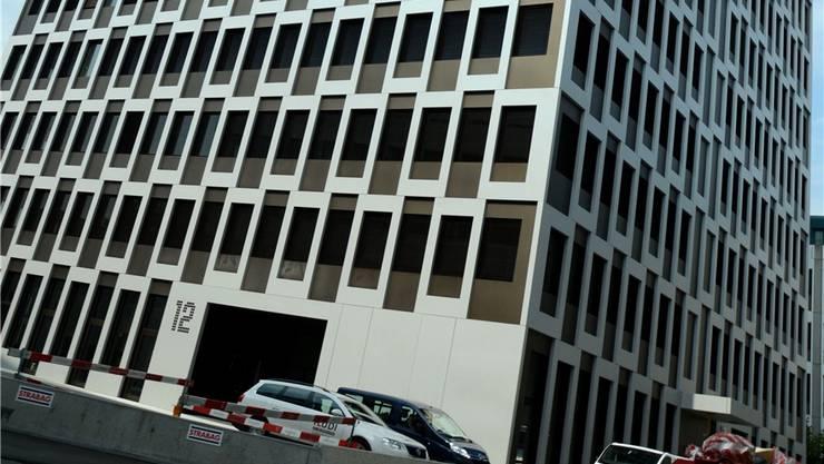 An der Wagistrasse 12 ist das Universitätsspital bereits in sieben Stockwerken eingemietet.