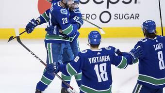 Die Vancouver Canucks (mit Sven Bärtschi/Nummer 47) haben Grund zum Jubeln