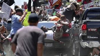 Der heute 22-Jährige fuhr im August 2017 am Rande einer Neonazi-Demo in Charlottesville im US-Bundesstaat Virginia mit einem Auto in einer Gruppe von Gegendemonstranten. Eine Frau starb, 29 weitere Menschen wurden verletzt. (Archivbild)