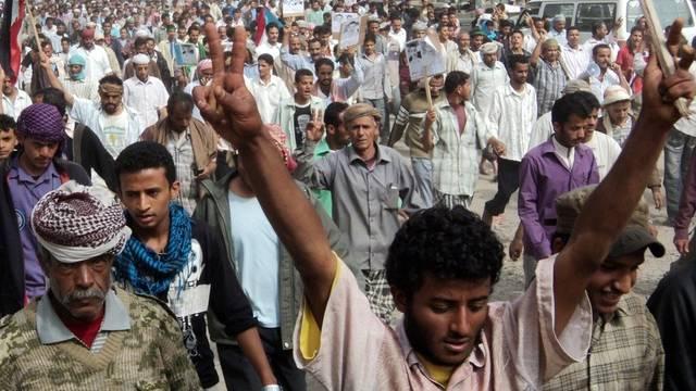 Tausende Menschen demonstrieren auf den Strassen Jemens