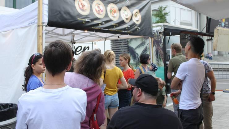 Gleich bei der ersten Durchführung war das Street Food Park Festival ein Erfolg und lockte zahlreiche Geniesser an.