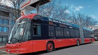 Sieht schnittig aus, eignet sich für Aarau aber nur bedingt: der von Biel gemietete Elektrobus.