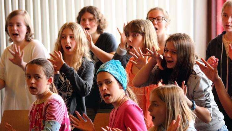 Mit viel Engagement am Proben für den grossen Auftritt: der Mädchenchor Solothurn.