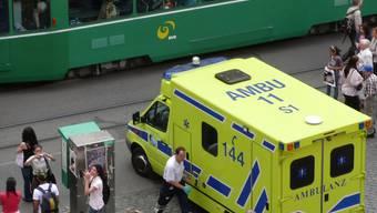 Mit normalen Rettungswagen können in Basel keine Adipositas-Patienten transportiert werden. ZVG/Juri Weiss