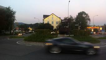 Die Trotte schmückt nun den Strassenkreisel