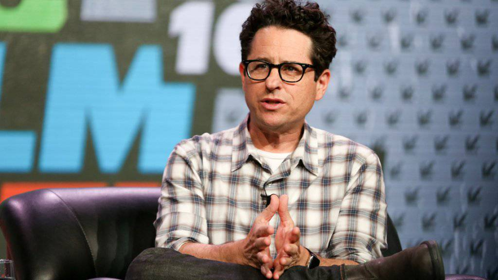 Regisseur J.J. Abrams denkt gross: Wie jemand einen Film auf dem kleinen Smartphone-Bildschirm schauen kann, ist ihm schleierhaft.