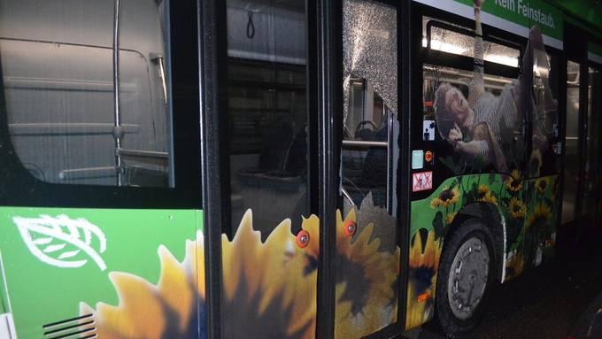 Grenchen: Drei Linienbusse beschädigt – Polizei sucht Zeugen