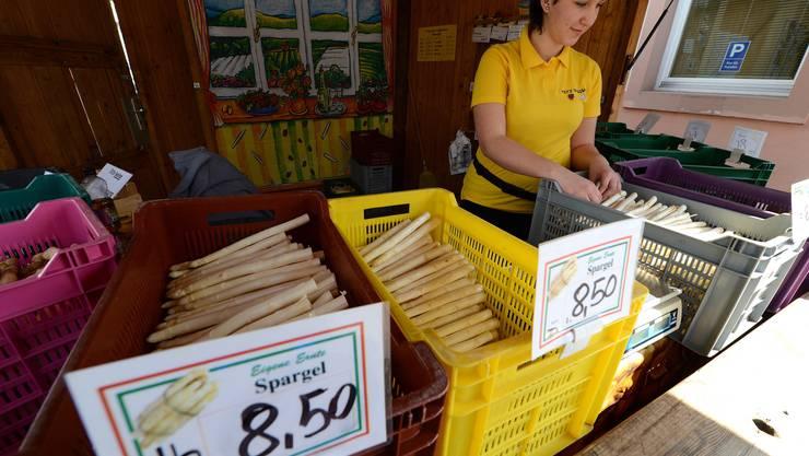 In Baden werden die Spargeln oft an Ständen verkauft. Dieser hier befindet sich in Lörrach.