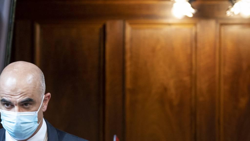 Er erwarte, dass es eine «intensive Diskussion» im Bundesrat zu den Gratistests geben werde, sagte Gesundheitsminister Alain Berset.