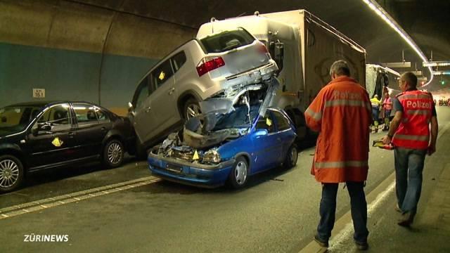 Horror-Unfall auf A4 fordert eine Tote