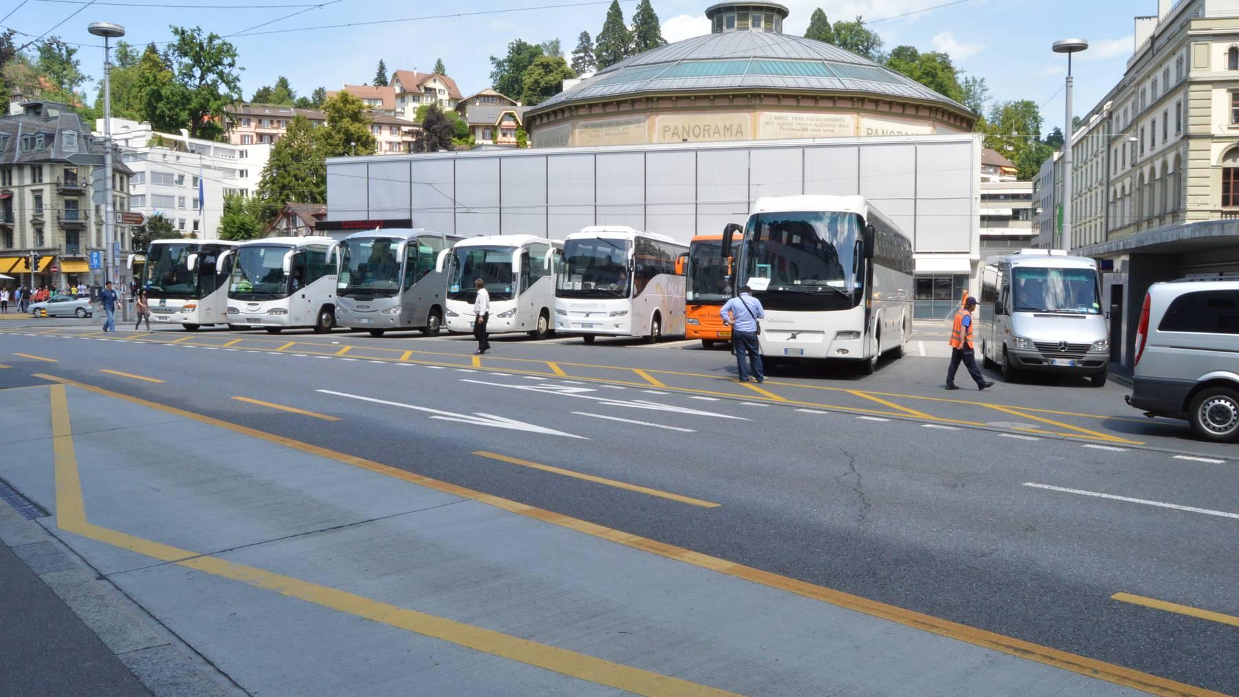 Neues Parkregime für Cars in Luzern gilt ab 1. Mai