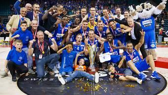 Durften den am Ende lockeren Sieg im Cupfinal gegen die Lugano Tigers bejubeln: die Basketballer von Fribourg Olympic