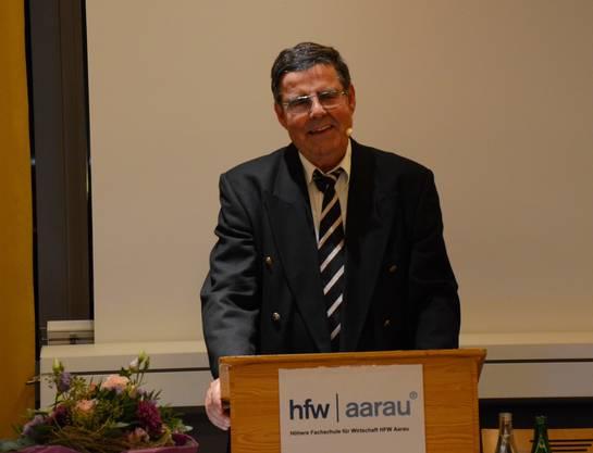 Fritz Bertschi, Präsident der HFW-Kommission, durfte die Absolventinnen und Absolventen und ihre Gäste zur Diplomfeier begrüssen