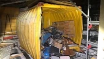 Eine Explosion in einem Baustellencontainer dürfte in Flawil SG nicht wenige aus dem Schlaf geschreckt haben. Verletzt wurde niemand.