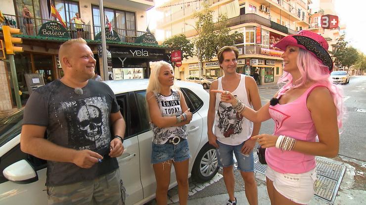 Cowgirl Isabel trifft auf die Videocrew. Mit Robert (links) hat Isabel schon in der Schweiz ein Video gedreht.