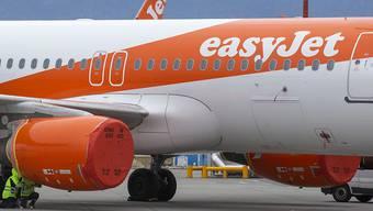 Der britische Billigflieger Easyjet hofft für sein Schweizer-Geschäft auf Staatshilfe des Bundes. Wegen der Reisebeschränkungen zur Bekämpfung des Coronavirus hat die Fluggesellschaft ihren Flugbetrieb inzwischen ganz eingestellt. (Archivbild)