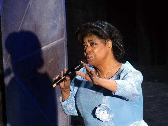 Joan Orleans als Mahalia Jackson im Kurtheater Baden (Bild ub) 5