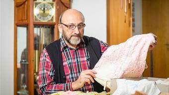Edmund Studiger unterhält wohl die konsistenteste Sammlung von Unterwäsche seit der Erfindung um 1860.