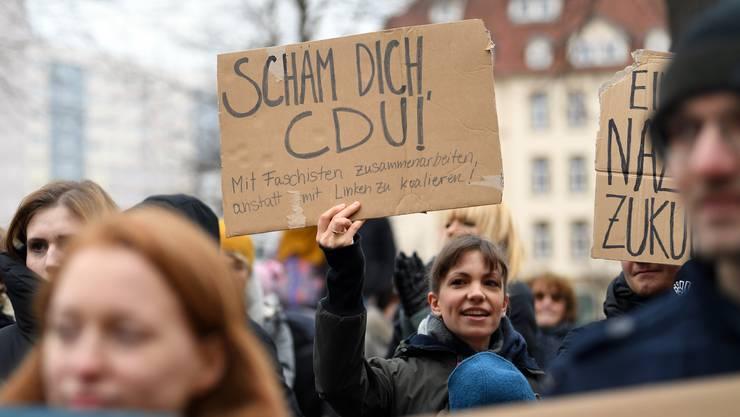 In Erfurt kam es zu einer Demonstration gegen die Wahl von Thomas Kemmerich zum Ministerpräsidenten.
