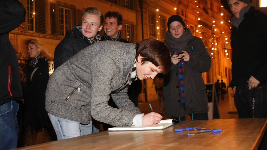 Jugendkundgebung und Unterschriftensammlung gegen die Ausschreitungen in Solothurn
