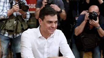 Sozialistenchef Pedro Sánchez ist mit seiner Kandidatur für das Amt des spanischen Ministerpräsidenten erneut gescheitert. (Archiv)