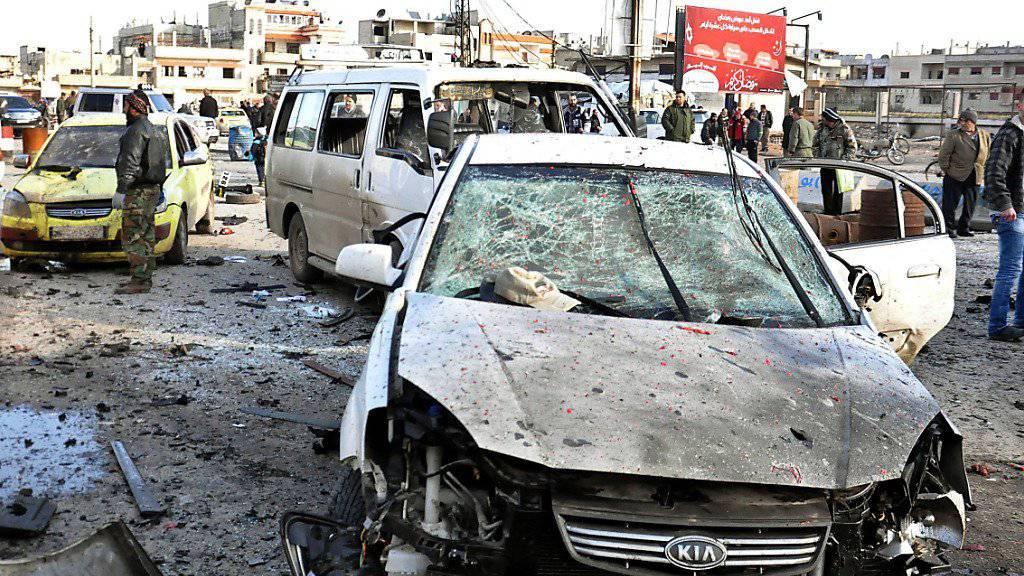 Bild eines früheren Anschlags im Homs-Stadtviertel Zahra (Archiv)