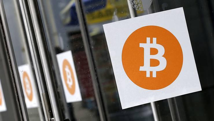 Eine Kryptowährung wie Bitcoin birgt spezielle Risiken, weil bei Betrug oder Diebstahl niemand haftet. (Symbolbild)