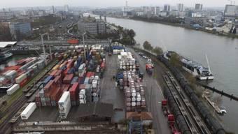 Hafenanlagen in Basel (Archiv)