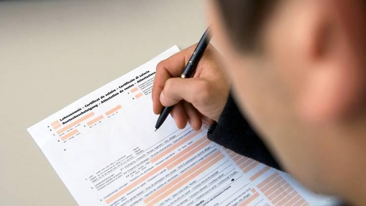 Neu muss die Steuererklärung erst im Juni respektive im September eingereicht werden. (Archivbild)