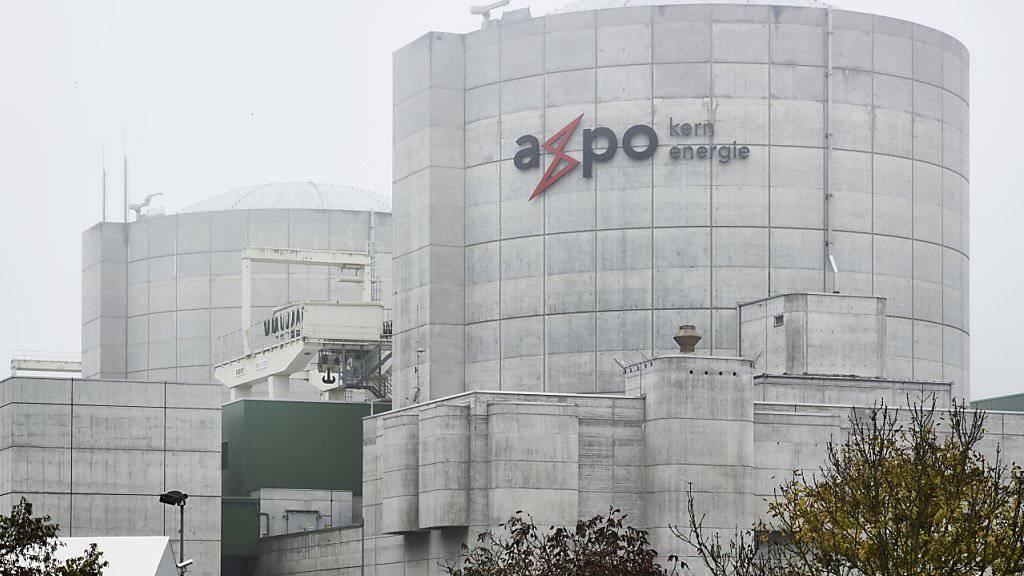 Der Axpo-Konzern hat in der Nacht auf Samstag überraschend Block 2 des Kernkraftwerks Beznau vom Netz genommen. (Archivbild)