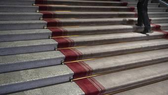 Treppen der Kuppelhalle im Bundeshaus.