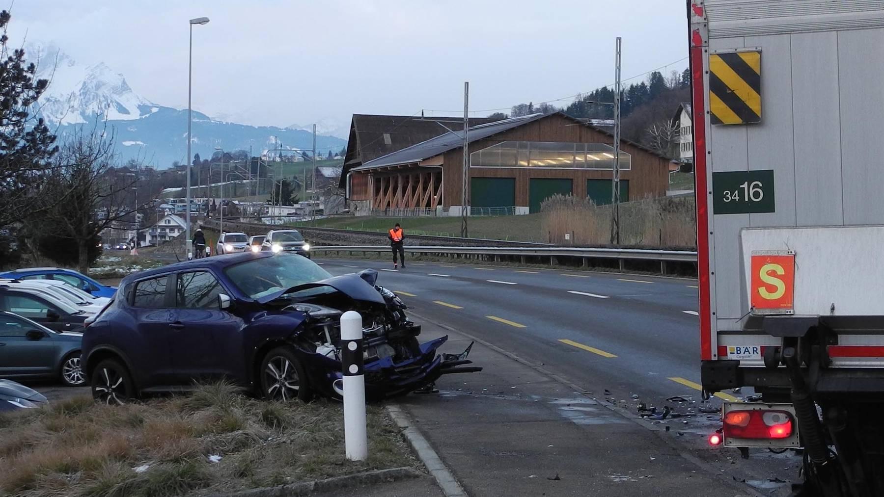 Verletzter Autofahrer in Merlischachen (SZ)