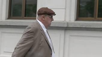 Dieter Behring vor dem Bundesstrafgericht in Bellinzona. Der 61-Jährige soll rund 2000 Anleger um insgesamt 800 Millionen Franken betrogen haben. (Archiv)