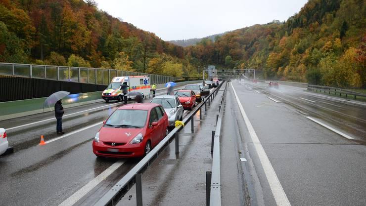 Beim Auffahrunfall auf der A2 bei Eptingen waren sieben Fahrzeuge involviert.