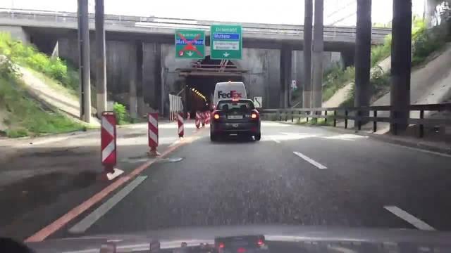 Fahrt durch den Hagnau-Tunnel