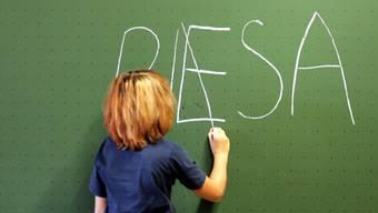 Mathe top, Lesen Mittelmass. So schneiden Schweizer 15-Jährige in der PISA-Studie ab. (Symbolbild)