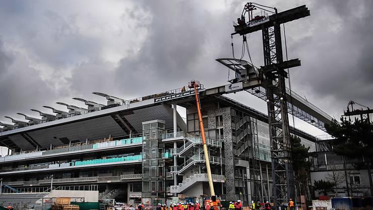 Auch wegen der Arbeiten am Hauptstadion hatte Roland Garros keine Hoffnungen mehr, das Turnier im Mai durchzuführen und brüskierte mit der Verschiebung in den September Organisationen, Verbände und Spieler
