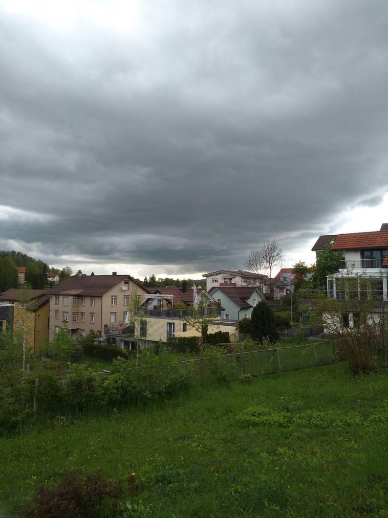 Bei Christina in Herisau ist der Himmel schon ziemlich dunkel. (Bild: todayreporter)