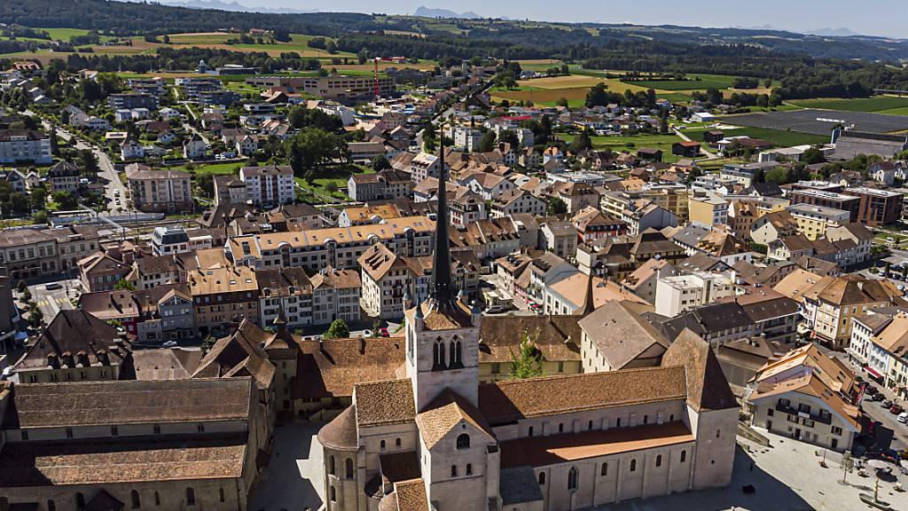 Grösste romanische Kirche der Schweiz erstrahlt in neuem Glanz