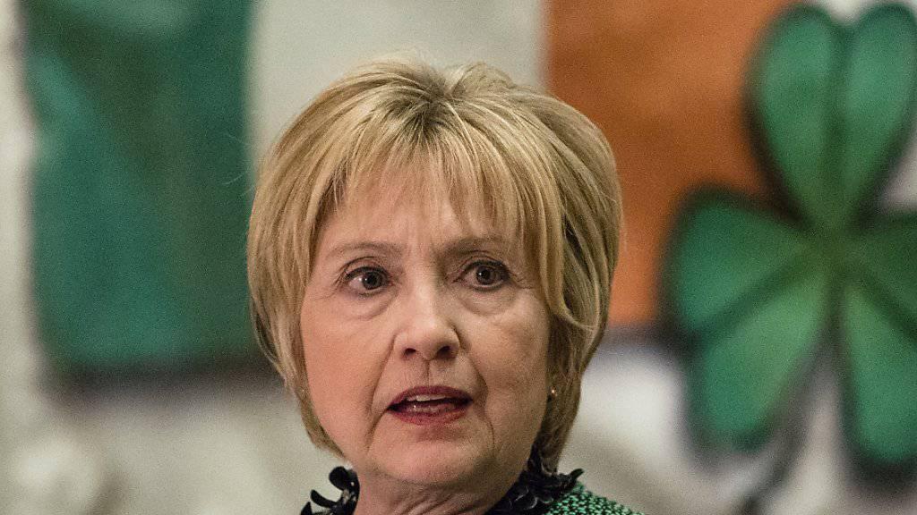 Hillary Clinton bei ihrer Rede vor der Society of Irish Women am St. Patrick's Day in Scranton, Pennsylvania.
