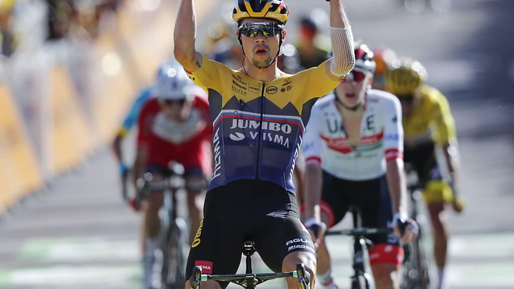 Der 30-jährige Slowene Primoz Roglic jubelt über den Sieg bei der ersten Bergankunft der 107. Tour de France