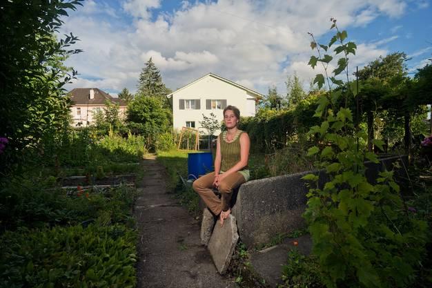 Sonja Wunderlin in ihrem Garten